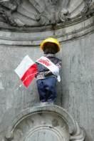 mannekin pis construction worker