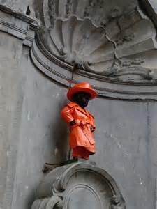 mannekin pis orange
